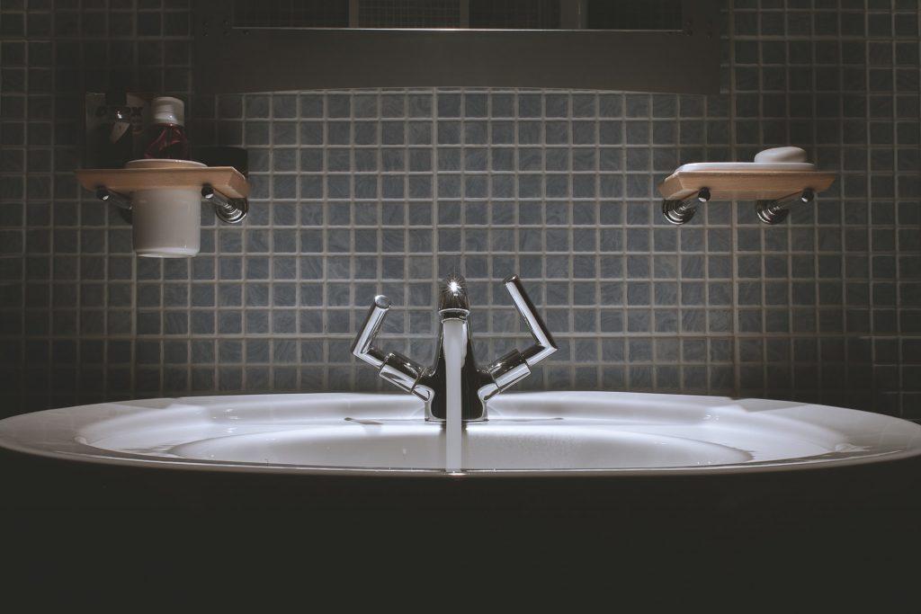 eau de qualité sortant du robinet
